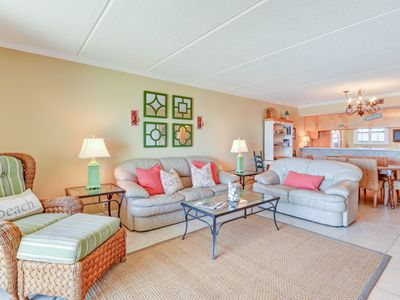Photo for Beautifully decorated  7th Floor 2 Bed/2 Bath Oceanfront Condo sleeps 5, and has a W/D.  Amenities include pool, community grills, private fishing pier and tennis courts!