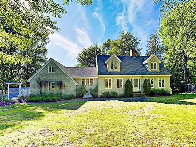 Photo for Waterfront Cottage in Brooklin