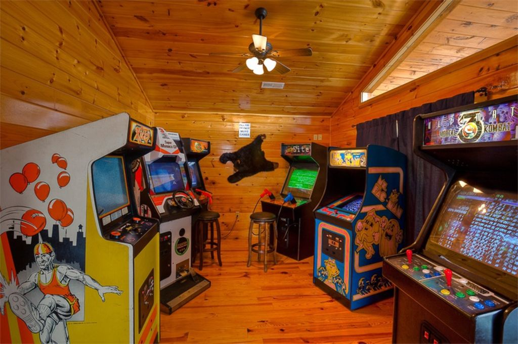 Mountain Lake Lodge Fun Cabin Arcade Room Game Room
