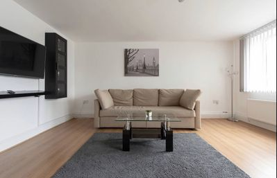 Photo for Cosy Two bedroom Apartment E, in Haringey, sleeps 6