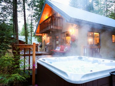 Photo for Riverview cabin, family & pet friendly,  hot tub,  sleeps 8-12!