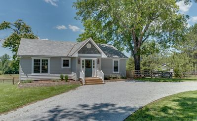 Photo for Horseshoe Hill | 10 Minutes to TIEC | Stables and Pasture Available Upon Request