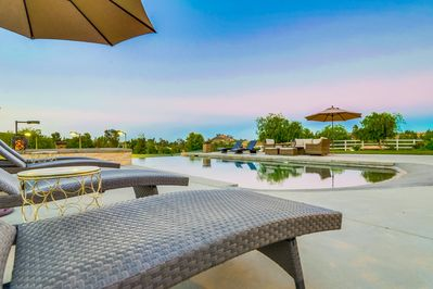 SALTWATER pool/jacuzzi with Intellibrite 5G lighting.  Enormous patio area.