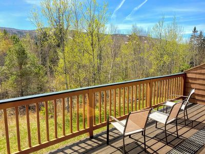 MWP61: Updated Townhouse in Bretton Woods with Ski Slope Views, Free Shuttle, WiFi. COVID SPECIAL RATES AND POLICIES IN EFFECT