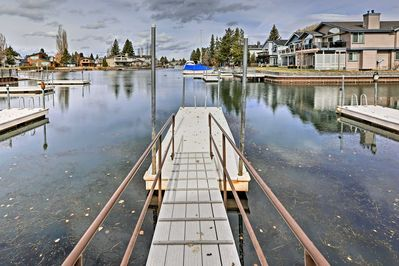 Park your boat at the dock for endless lake fun!