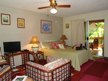 RELAX-Come and stay at my Darling Studio in the Heart of Princeville-ENJOY