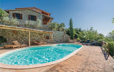 Photo for 2 bedroom accommodation in Pari