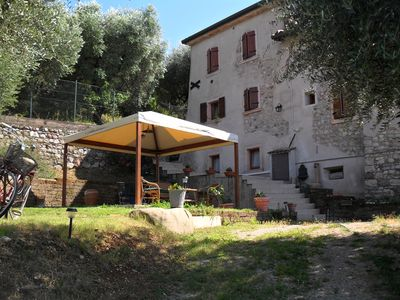 Photo for Casa Silvia Charming furnished apartment for 4 pers. Torri del Benaco / Albisano.