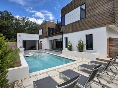 Photo for Day Dreamer - Luxe Home, Private Pool, Free Beach Service, Bike to Seaside!