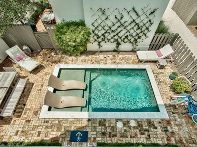 Photo for Villa Cayman! Private Pool! Carriage House! Short Walk to Rosemary Beach!