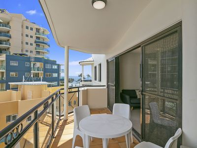 Photo for Top Floor Two Bedroom with BBQ & Ocean Glimpse