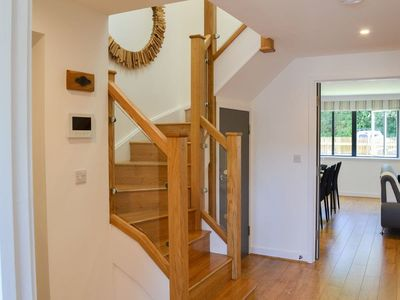 Photo for 3 Bedroon 5* Luxury Pet Friendly Apartment