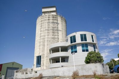 The Iconic Silos - Raglan Wharf
