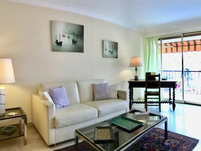 Photo for Quiet 1 Bdr Downtown - 7 min to the Palais