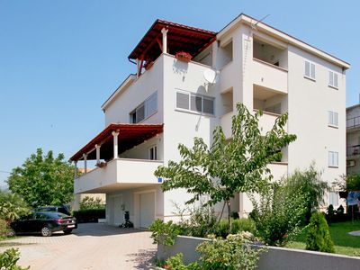 Photo for Apartments Elza, (15683), Podstrana, Split riviera, Croatia