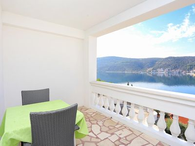Photo for One bedroom apartment with terrace and sea view Marina, Trogir (A-9037-d)