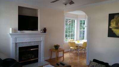 Livingroom with fireplace and cable TV