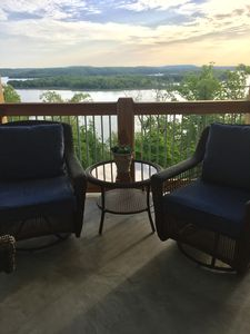 Photo for Enjoy a gorgous Beaver Lake view at The Blue Heron. Book 7 nights 8th is free.