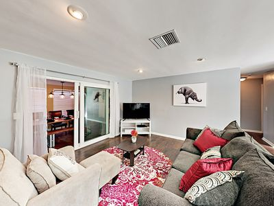 Photo for Lovely 2BR with Gourmet Kitchen, Shared Pool & Private Yard