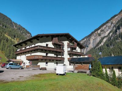 Photo for Apartment Steinbockhaus (MRH481) in Mayrhofen - 6 persons, 1 bedrooms