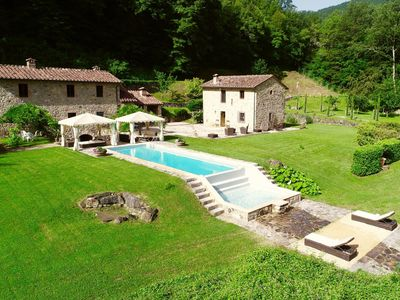 Photo for Villa La Fonte - Lovely villa with mineral water pool and spa (Radicondoli, Siena)