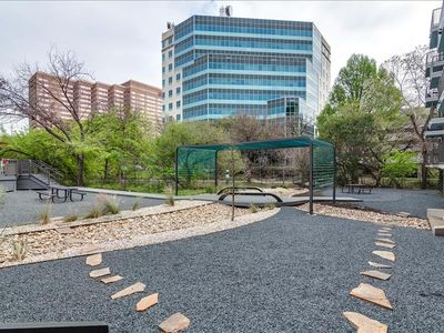 Photo for Apartment in the center of Austin with Internet, Pool, Air conditioning, Lift (698044)