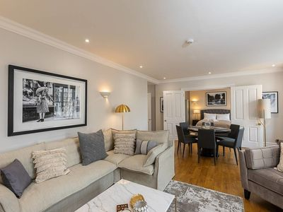 Photo for Stylish new flat near Mayfair & Piccadilly Circus!