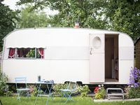 Beautiful and well-equipped vintage caravan stay