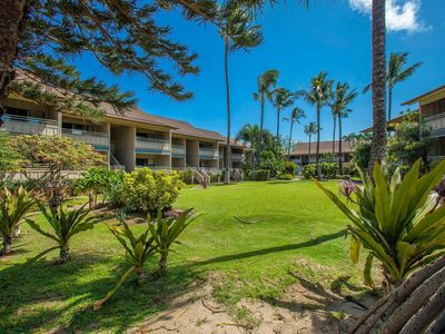 Steps to the Beach, Beautiful, Clean, Family Friendly Condo