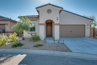 Beautifully appointed home in Sunny Arizona!