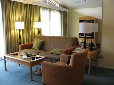 Summer fun family-friendly 2bd, 2bal ess than a mile away from Leoland.