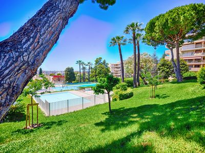 Photo for F3 air conditioned apartment with pool, tennis, very close to beaches