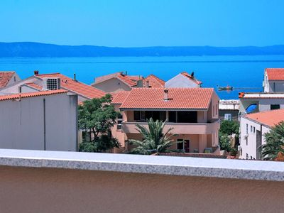 Photo for One bedroom apartment with terrace and sea view Tučepi, Makarska (A-6058-b)