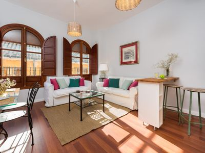 Photo for Cozy & bright 2 BD Apartment in a wonderful location. Plaza Nueva