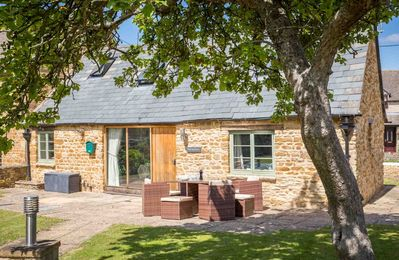Photo for The Tap Room is a beautiful Grade II listed holiday retreat in the picturesque village of Kingham