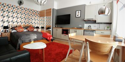 Photo for Studio 10, contemporary living with room for 3.