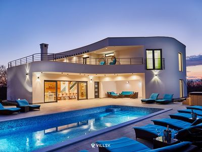 Photo for Amazing luxury villa with heated pool, jacuzzi and tennis court