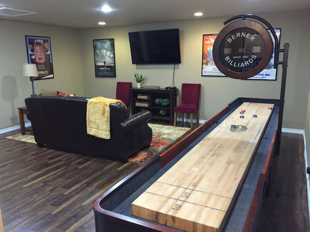 Exceptionnel 14 Ft Shuffleboard Hot Tu...   VRBO