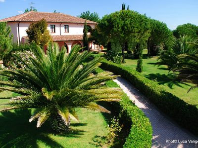 Photo for Apartment in Villa with pool and garden by the sea between San Vincenzo and Baratti