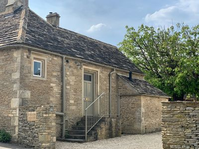Photo for THE OLD DAIRY, romantic, with open fire in Burford, Ref 988797