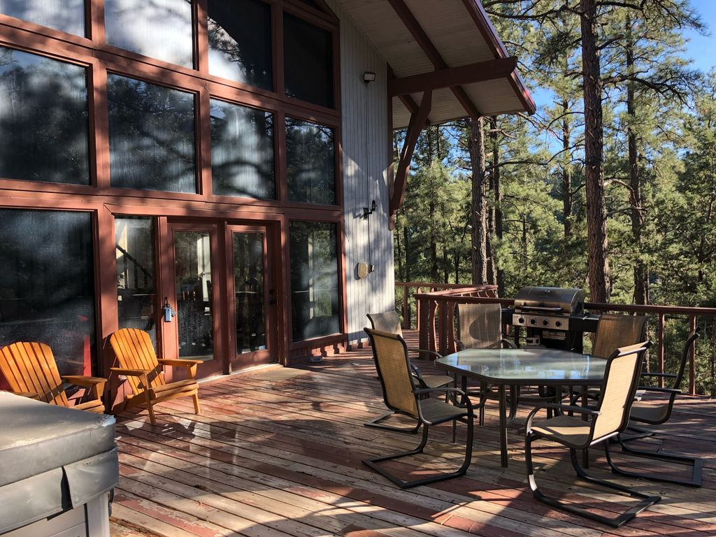 Secluded cabin with tall trees with large deck hot tub for Cabin rentals near ski apache