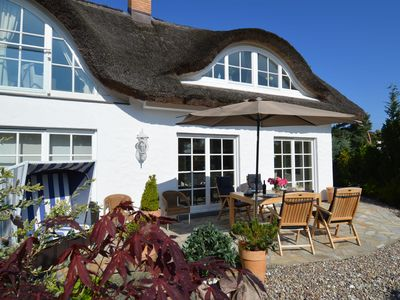 Photo for Fantastically vacation in exclusive thatched house only 200m from the beach