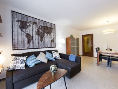Photo for Great apartment for 2 families. With WiFi, very centrally located near the bea