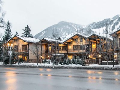 Photo for Beautiful Aspen Full Service Luxury Condo 1Bed 1B