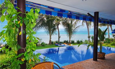 Photo for Superb Beachfront Villa with private Pool & Jacuzzi in tropical garden.