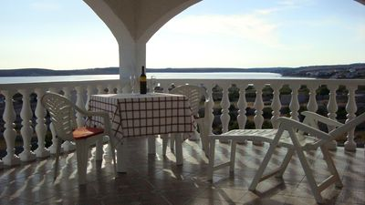 Photo for Studio flat with terrace and sea view Kustići (Pag)