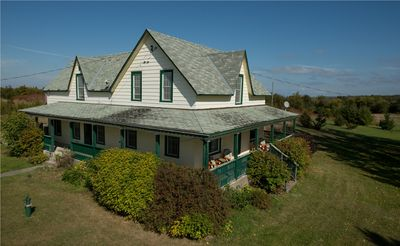 Photo for Sprawling Century Farmhouse on 2 acres - pet and family friendly!