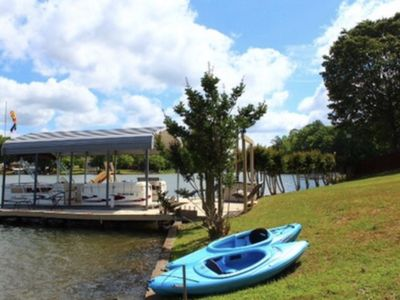 Cozy Remodeled Lake House available for making memories!!reserve your vacay now!