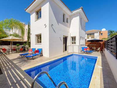 Photo for Villa Helena with own pool and sea views in peaceful location, with child kit