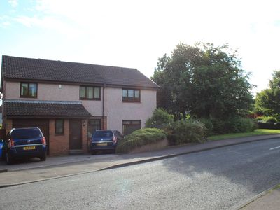 Photo for 6 Bed House, Near Edinburgh in Dalgety Bay